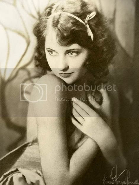 http://i6.photobucket.com/albums/y202/personalitytest/blog/20babsstanwyck3.jpg