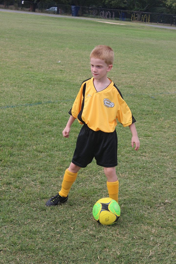 photo soccer4_zps42bd6a89.jpg