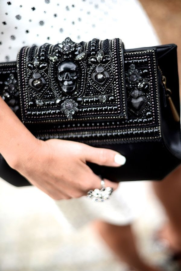 Embellished clutch //