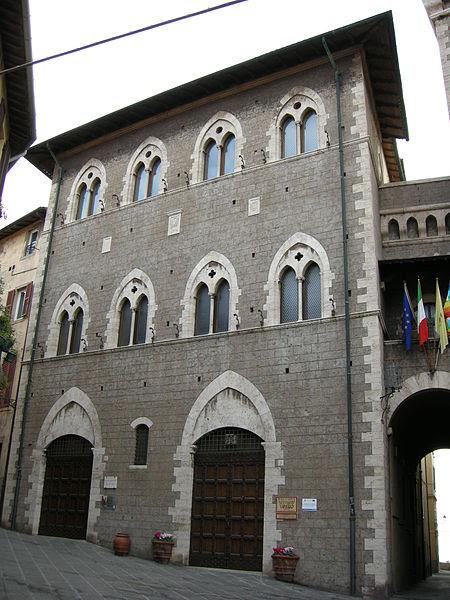 Archivo: Palazzo del comune di Piombino 02.JPG