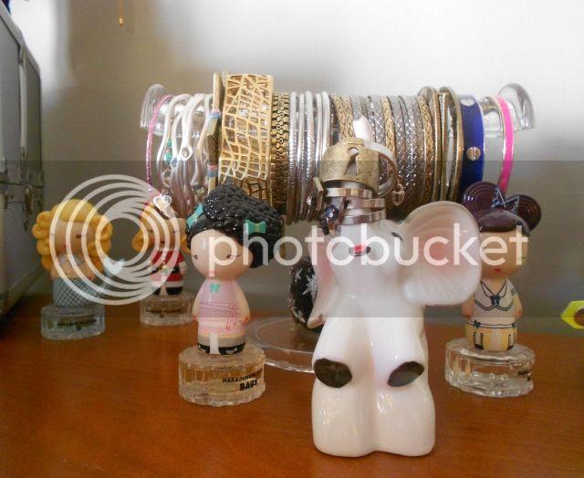 Elephant Ring Holder and Bracelets CU photo DSCN5377_zps85d47a17.jpg