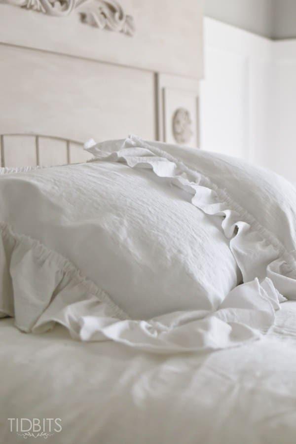 Master-Bedroom-Bedding-25