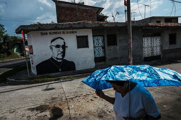 Homenagem ao arcebispo Óscar Romero, assassinado em 1980 em En Salvador