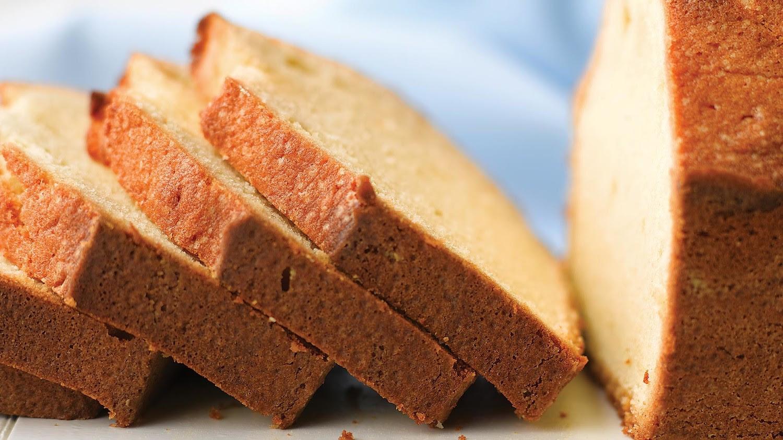 vanilla pound cake MED103954_horiz