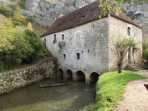 Caugnaguet mill from the outside by rajmarshall
