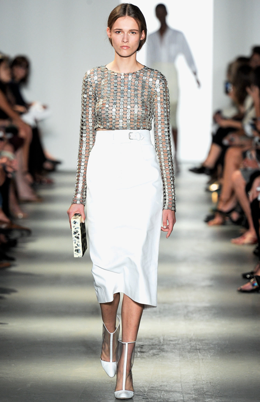 LE FASHION BLOG WES GORDON SS 2014 NYFW METALLIC SHEER TOP WHITE SKIRT 3 photo LEFASHIONBLOGWESGORDONSS2014NYFWMETALLICSHEERTOPWHITESKIRT3.png
