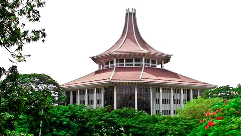 SC orders admission of student to Royal