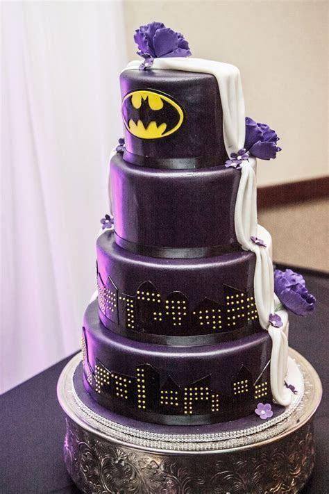25  best ideas about Batman wedding cakes on Pinterest