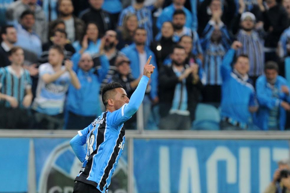 Lucas Barrios saiu ovacionado da Arena (Foto: Wesley Santos / Agência PressDigital)
