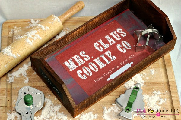Upcycled wooden Christmas tray - featured at KnickofTime.net
