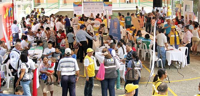 Feria Informativa y de Servicios en la comuna 13