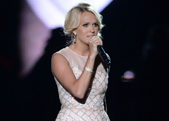 2013 CMT Music Awards photo carriecmt.png