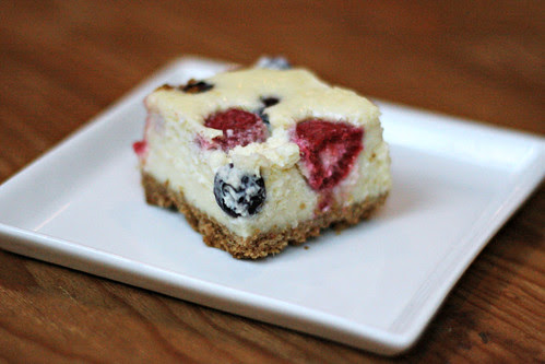 red white and blueberry cheesecake bars