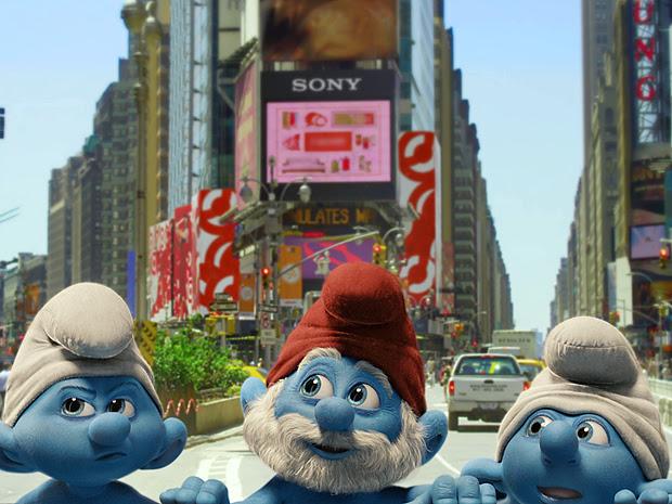Cena de 'The Smurfs', divulgada nesta quarta: Papai Smurf em alta velocidade em NY.