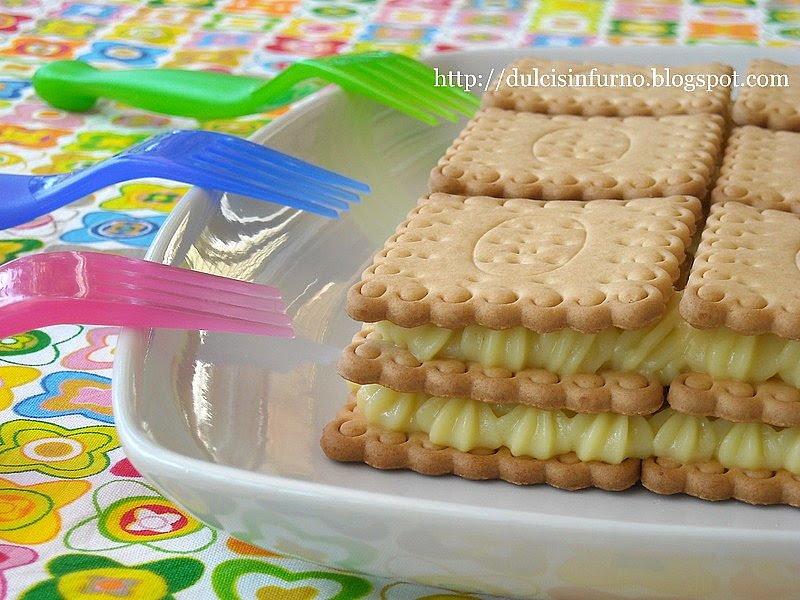 Mattone di Biscotti e Crema-Biscuits and Cream Cake