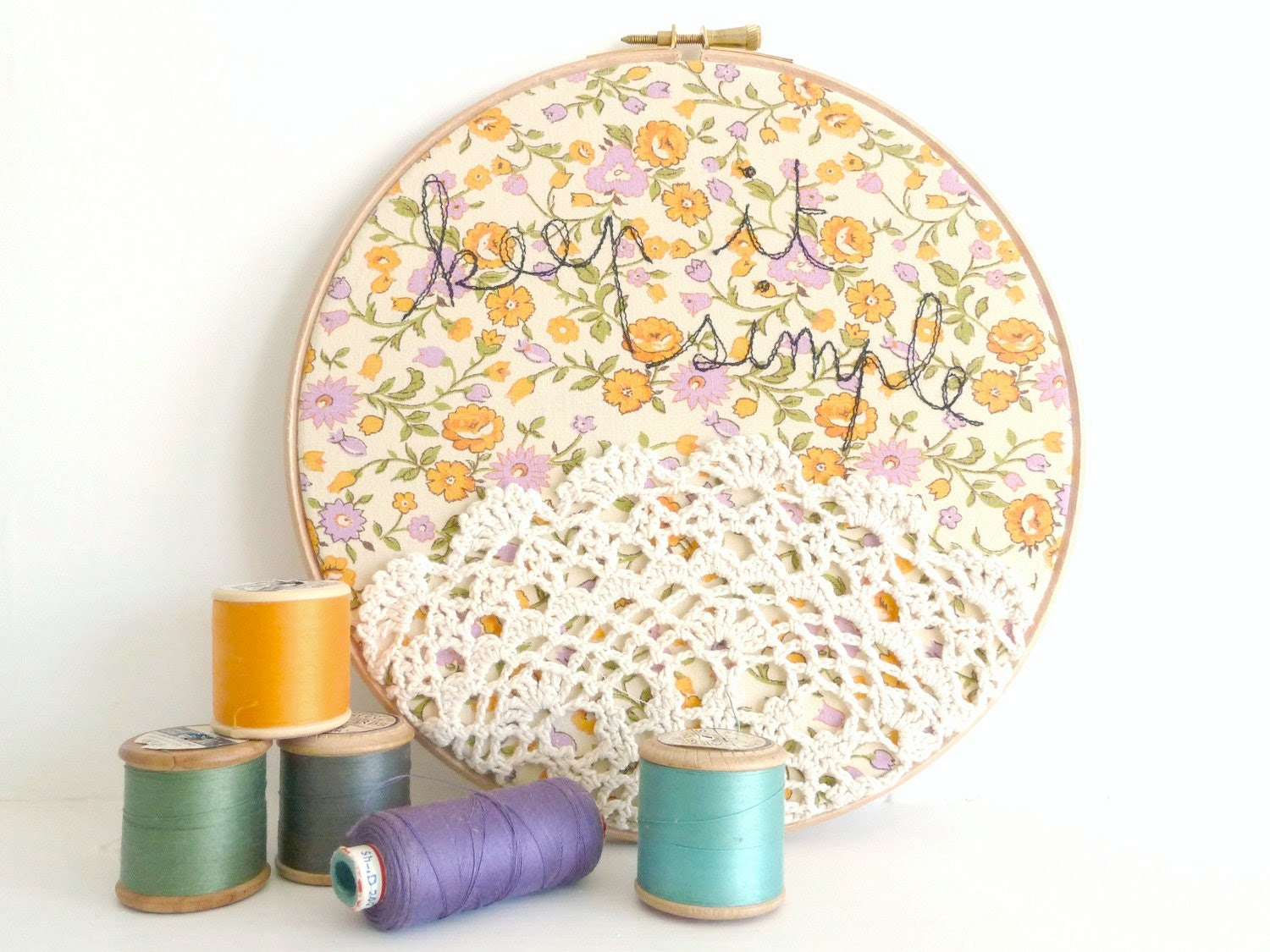 Doily Wall Art Embroidery Hoop 'Keep it simple' by ThreeRedApples