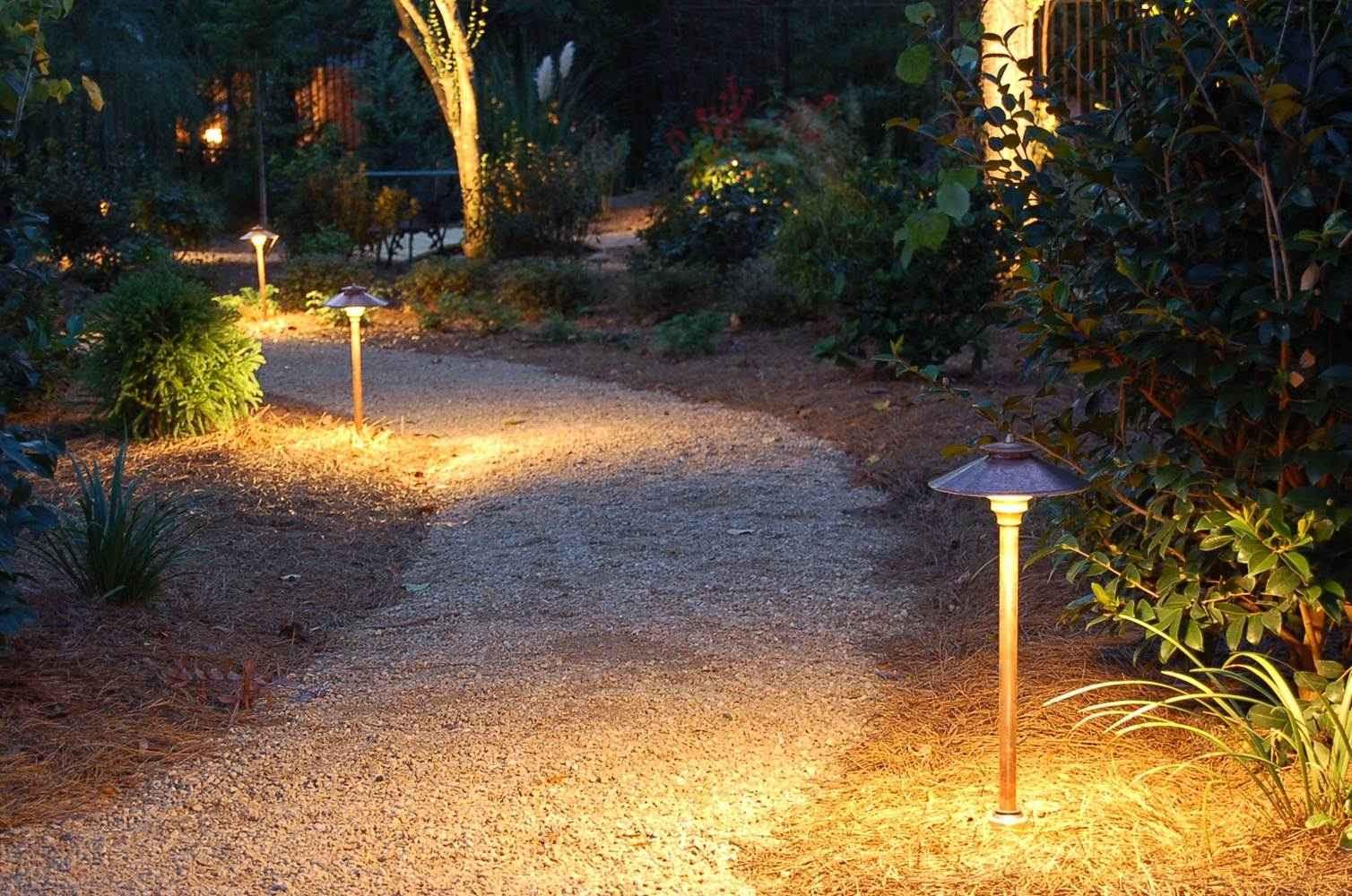 Helpful Hints On Low Voltage Landscape Lighting Transformers