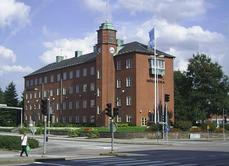Fil:Polhemsgymnasiet i Trollhättan.jpg