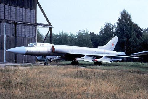 0r Tu-128
