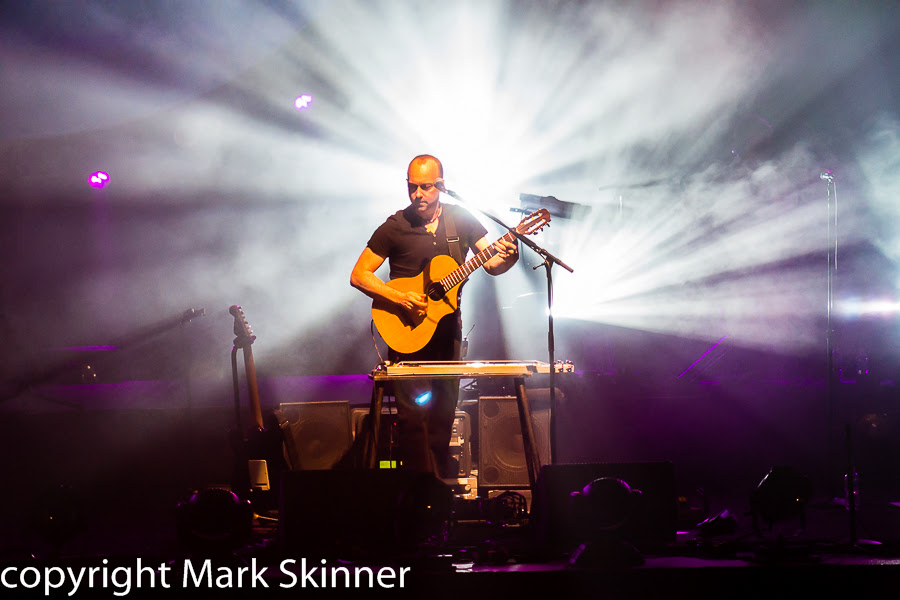 Concert Imagery Brit Floyd At The Budweiser Gardens In London On 07 Apr 2014 National Rock Review