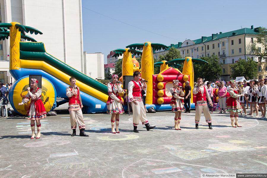 Выступления фольклорных коллективов на Дне города 2013 в Саранске