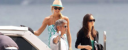George Clooney and Stacy Keibler (Splash News)