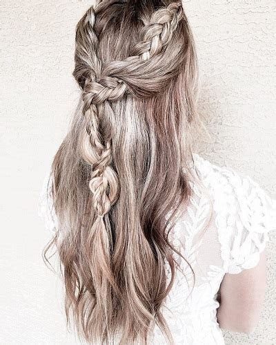 21 Pretty Half up half down hairstyles   great options for