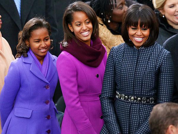 Michelle, Malia e Sacha usam marcas acessíveis como J.Crew e H&M.