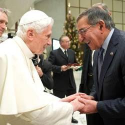 Benedetto XVI con Leon Panetta
