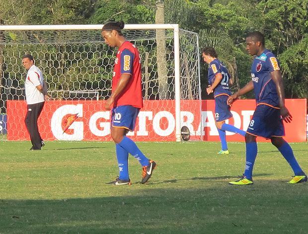 Willians e  Ronaldinho no Flamengo (Foto: Janir Júnior / Globoesporte.com)
