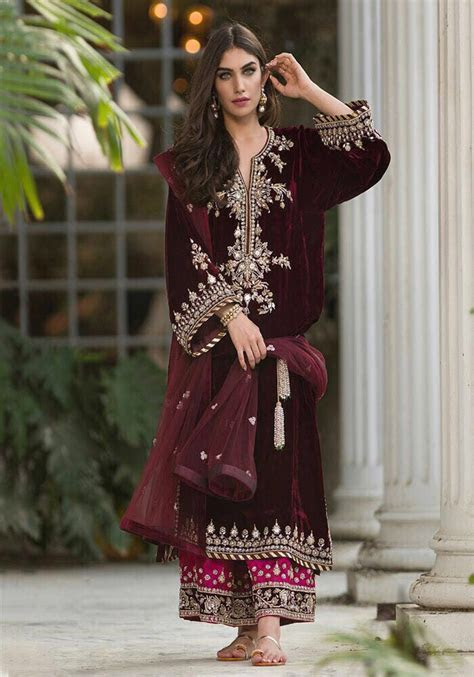 Sana Abbas Velvet And Bridal Dress 2018   Pakistani