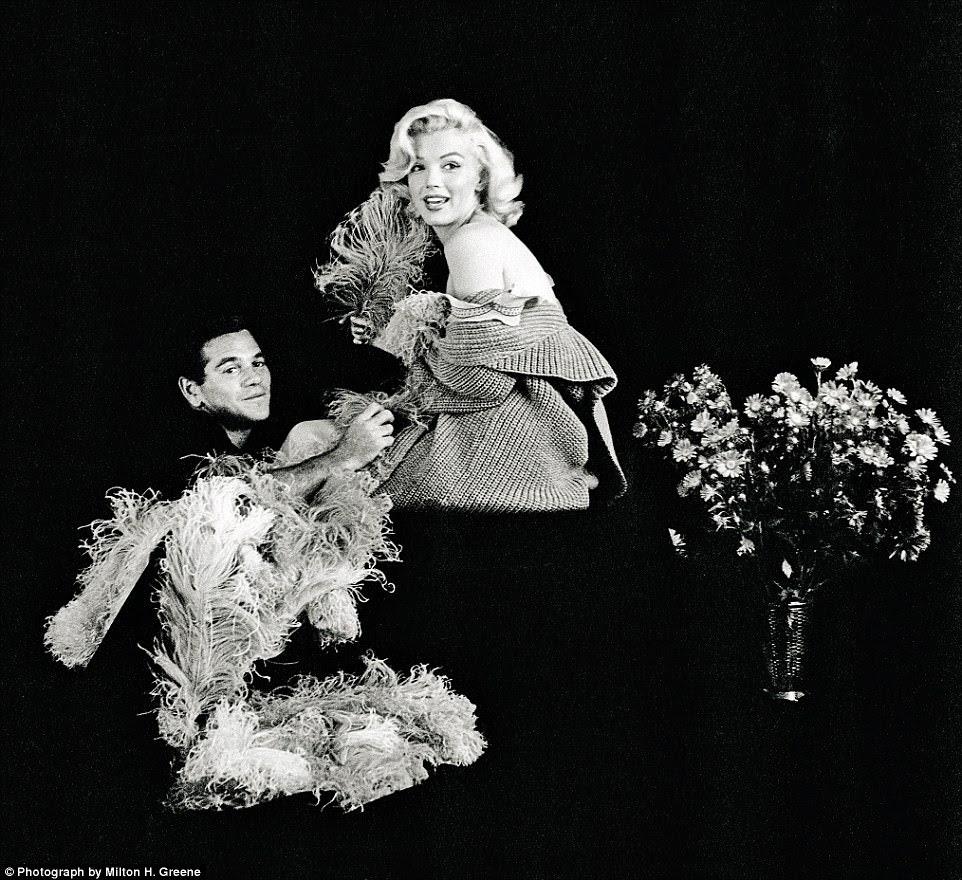 O homem mágico de Marilyn: Marilyn com Milton Greene em 1953. Greene foi levada a Los Angeles para conhecê-la a pedido do editor da revista Look