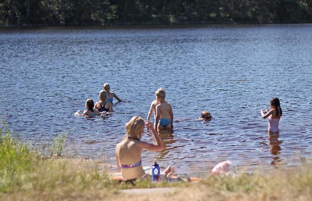Playa en el lago