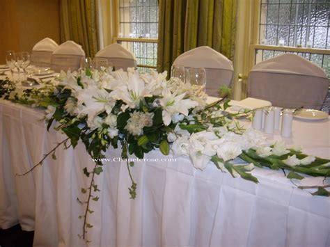 bride and groom table ideas   beneath the bride and groom