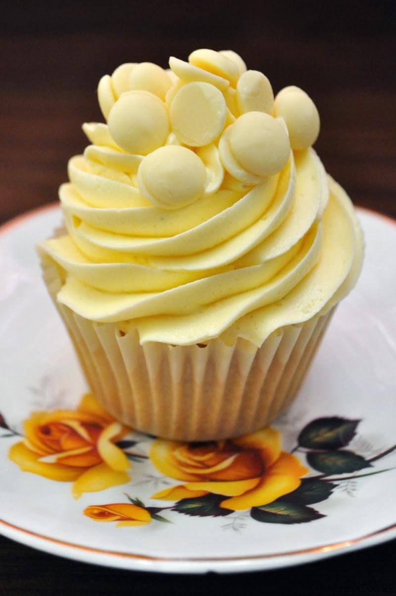 Recipe: White Chocolate Cupcakes!