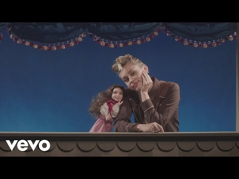 DOWNLOAD VIDEO: Miley Cyrus – Younger Now