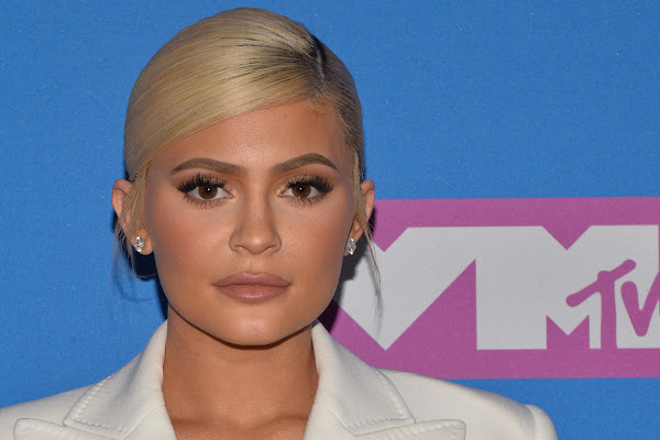 3f86419613389 Kylie Jenner says she s bullied by  the whole world  in emotional video