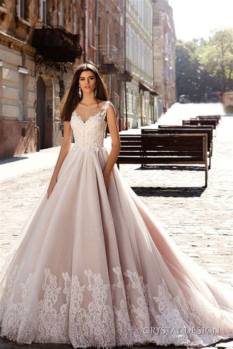 1000  ideas about Princess Ball Gowns on Pinterest   Ball