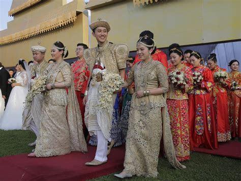 50 couples marry in Sri Lanka in mass ceremony   Canoe