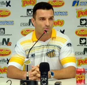 Júnior Rocha técnico do Novorizontino (Foto: Divulgação / Novorizontino)