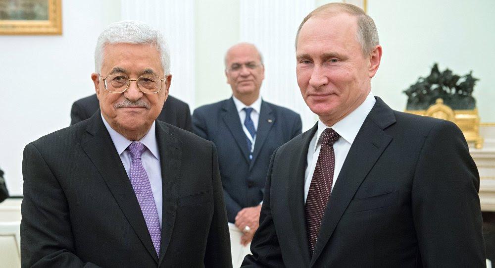 Il presidente palestinese Abu Mazen e il leader russo Vladimir Putin