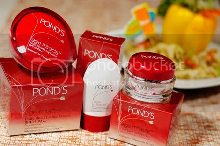 Pond's Age Miracle at Taste Asia