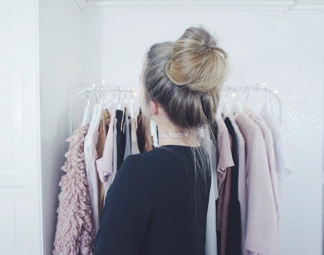 Messy Bun Hair Tutorial Cornelia Myrberg