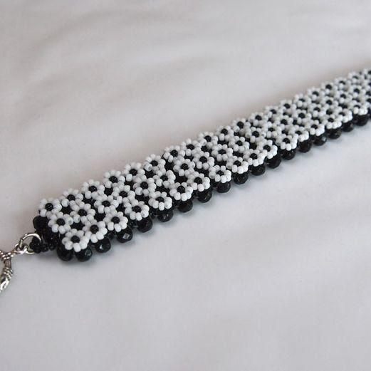 Daisy bracelet | JewelryLessons.com