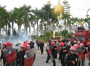 Sultan Perak merupakan harapan terakhir rakyat untuk mengembalikan kestabilan politik di Perak kerana pihaknya telah hilang harapan bahawa BN akan mengadakan pilihanraya baru.