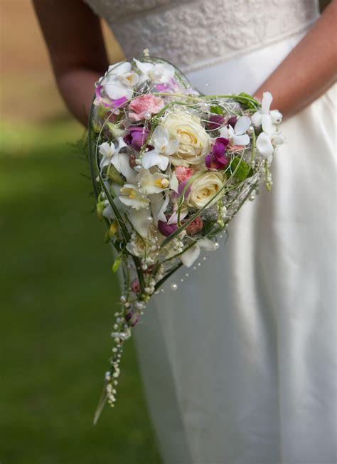 heart shaped silk wedding bouquet   Bouquets/Boutonnieres