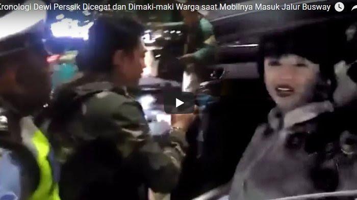 Video Kronologi Dewi Perssik Dicegat dan Dimaki-maki Warga saat Mobilnya Masuk Jalur Busway
