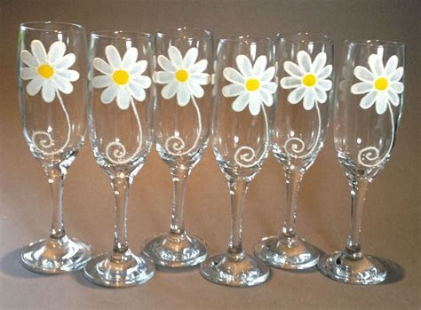 Wedding Gift   Set of 6 Daisy Design Champagne Flutes