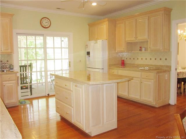 Musings on bleached oak kitchen cabinets (counter, paint ...