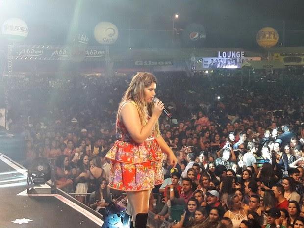 Marília Mendonçaem Petrolina (Foto: Felipe Pereira/TV Grande Rio)